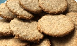 From Tallulah's Kitchen: Oat Biscuits